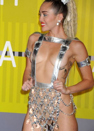 Miley Cyrus: 2015 MTV Video Music Awards in Los Angeles [adds]-25